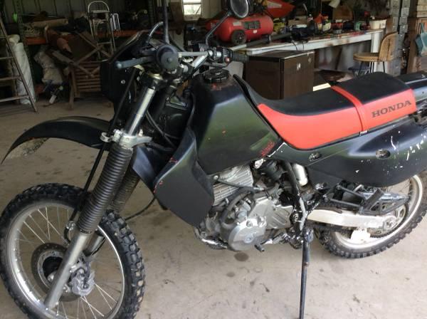 Photo Honda XR650L Dirt Bike - $2,200 (Kennard)