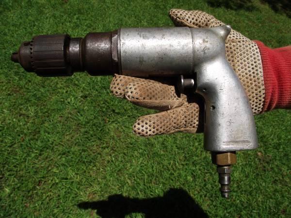 Photo Various VINTAGE AIR TOOLS (Drills, hammers, sanders, etc) - $35 (Longview)