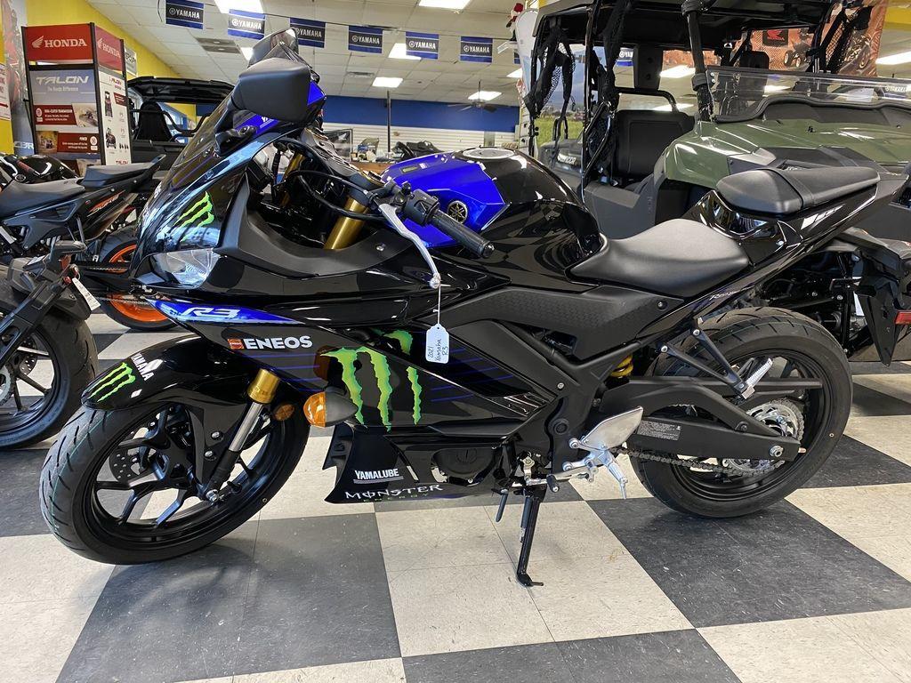 Photo 2021 Yamaha YZF-R3 Monster Energy Yamaha MotoGP Edition $5599