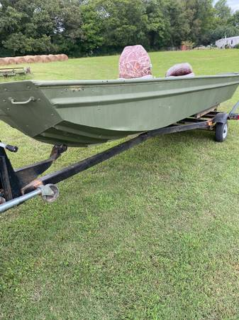 Photo 1644 flatbottom boat with 16hp mud motor - $3,200 (Columbia,TN)