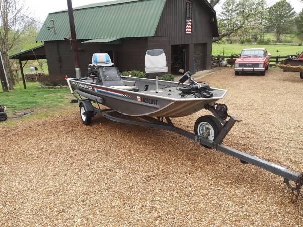 Photo 16 foot fishing boat - $3200 (Ashland city tn)