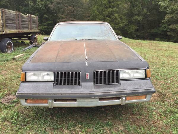 Photo 1987 Oldsmobile Cutlass - Parts only