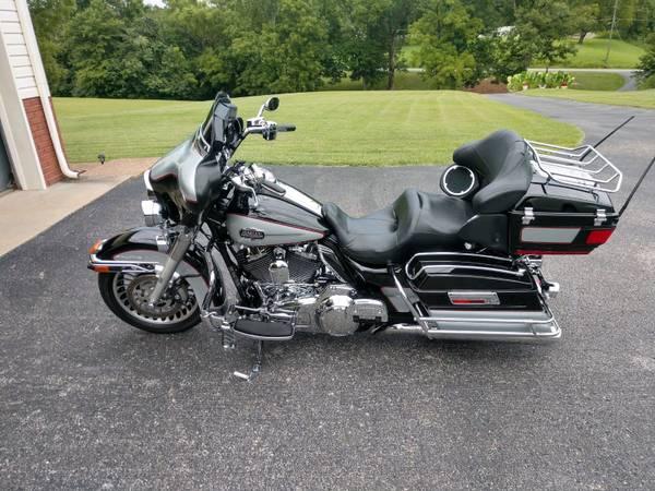 Photo 2010 Harley Davidson Ultra Classic - $13,500 (JOELTON)