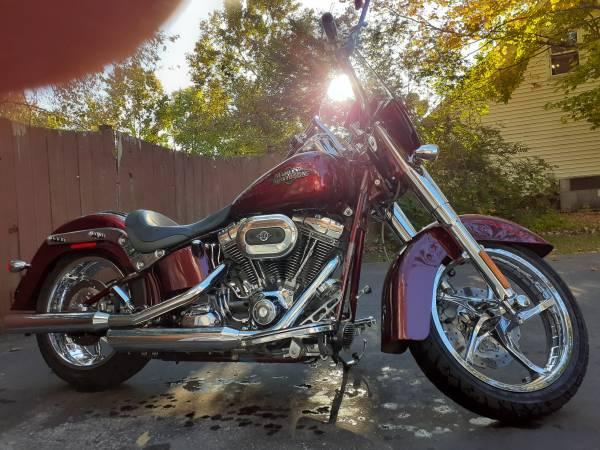 Photo 2012 Harley-Davidson CVO - $13,500 (Murfreesboro)