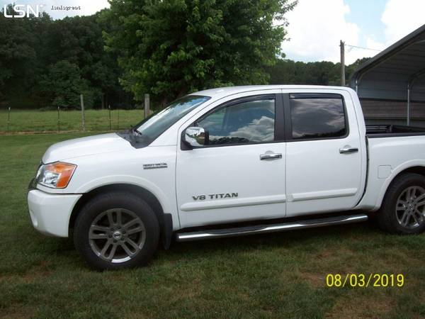 Photo 2012 Nissan Titan SL heavy metal chrome - $20500 (Sparta)