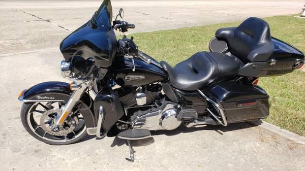 Photo 2015 Harley Ultra Classic (7,400 miles) - $16,500 (Tullahoma)