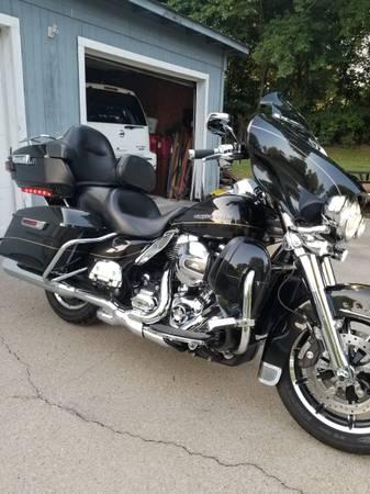Photo 2016 Harley Davidson Ultra Limited-FLHTK - $18,900 (Greenbrier)