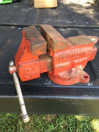 Photo 3 12 craftsman bench vice - $35 (whitehouse)