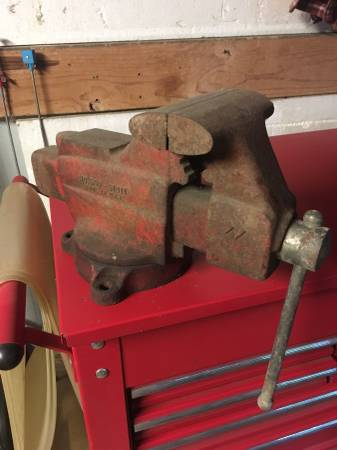 Photo 5 craftsman bench vice - $50 (whitehouse)