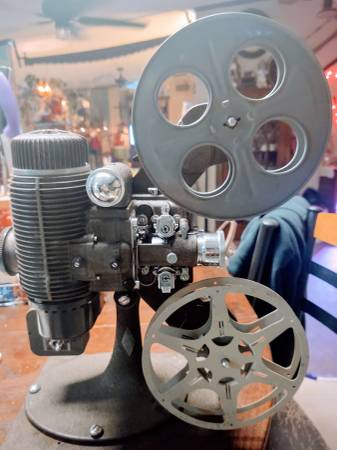 Photo Bell and Howell 8mm projector - $100 (Tullahoma)