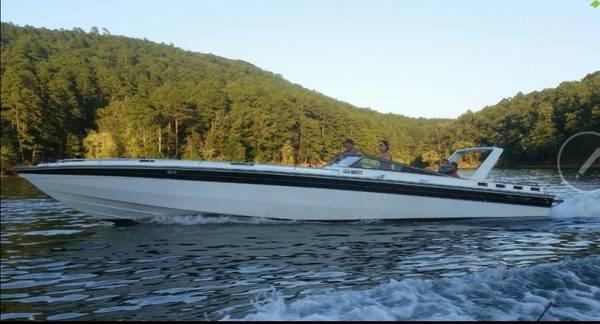 Photo Chris Craft 390X Stinger - $16,000 (Hot Springs)