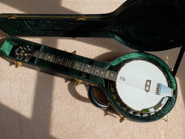 Photo Deering Boston 6 String Banjo (Tuned like a Guitar) Unused - $1698