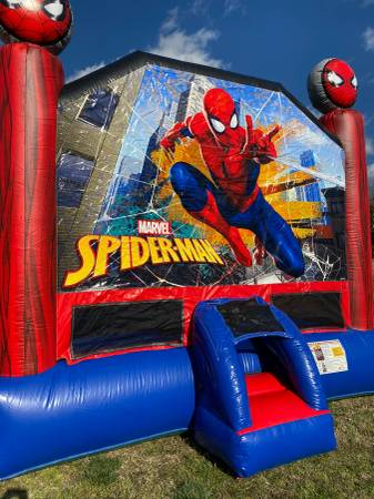 Photo Inflatable Spider Man Bounce House - $1,500 (Nashville)