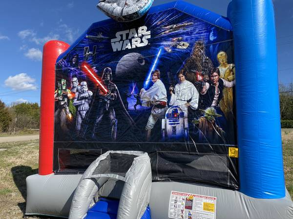Photo Inflatable Star Wars Bounce House - $1,500 (Nashville)