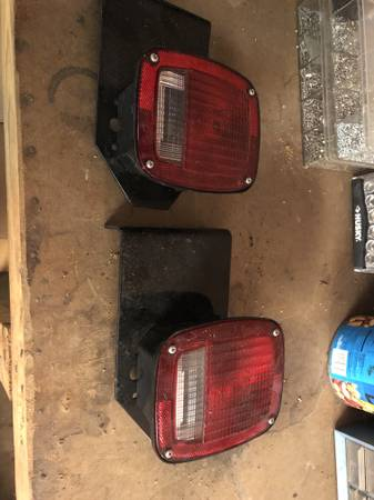 Photo Jeep Wrangler Taillights - $10 (White House, Tennessee)
