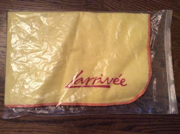 Photo Larrivee Polish Cloth - $10 (Nashville)