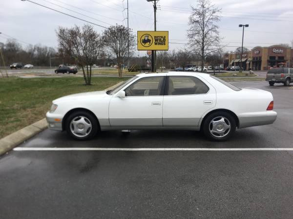 Photo Lexus LS400, only 100k, Excellent Condition - $7000 (Nashville)
