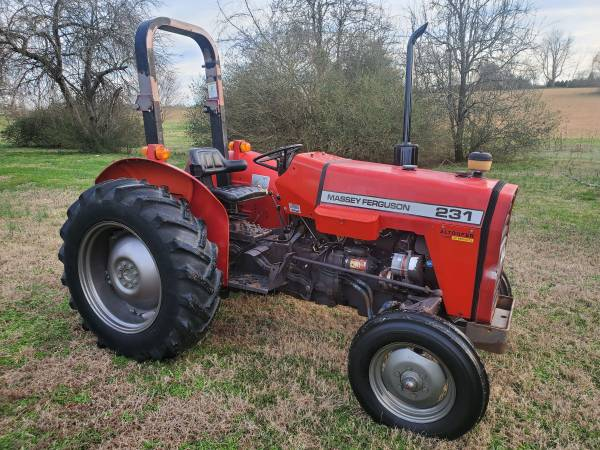 Photo Massey Ferguson 231 2wd Tractor - $5950 (Thompsons Station)