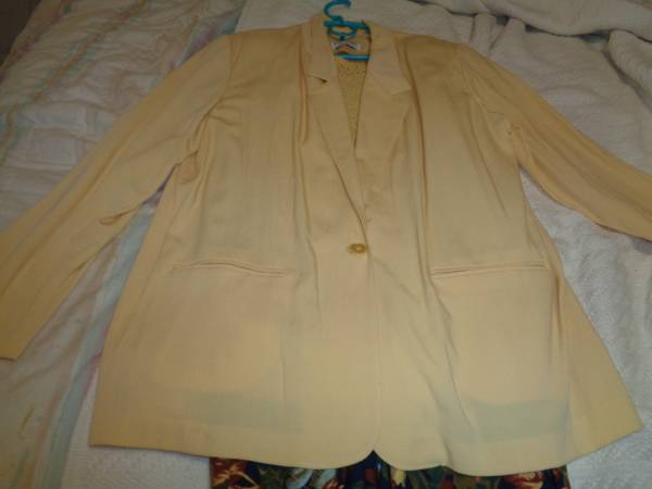 Photo New Alfred Dunner Suit sz.18 - $20 (Priest Lake area)