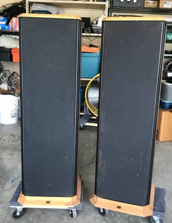 Photo PSB STRATUS GOLD floorstanding speakers in oak, cheap high end. - $550 (Murfreesboro)