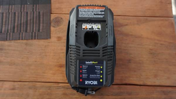 Photo Ryobi P118 Battery Charger for One 18V - $20 (mt juliet)
