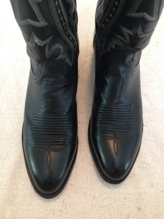 Photo Size 11.5 Lucchese Classic Black Boots - $240 (Mount Juliet)