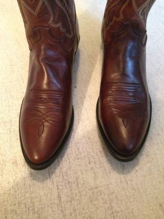 Photo Size 12 Justin Western (Cowboy) Boots - $120 (Mount Juliet)