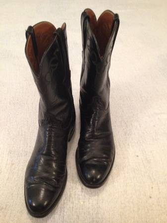 Photo Size 9 Lucchese Black Ropers - $160 (Mount Juliet)