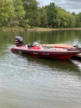 Photo Skeeter bass boat - $16,000 (Greenbrier)