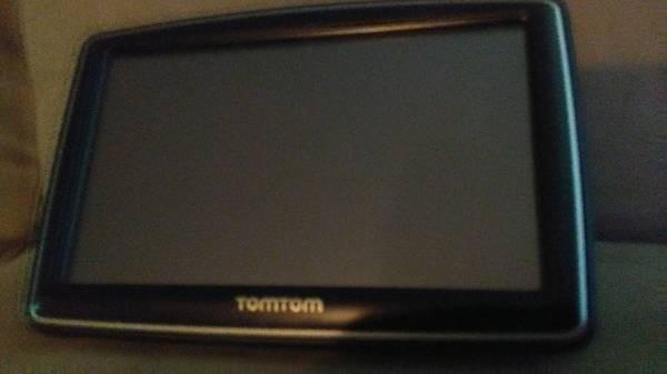 Photo TOM TOM MODEL N14644 LOADED GPS-Reduced to $40 - $40 (smyrna)