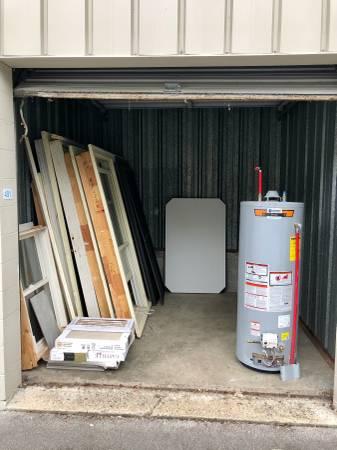 Photo Wooden Windows, Gas Water Heater (UPDATED) (Sylvan Park)
