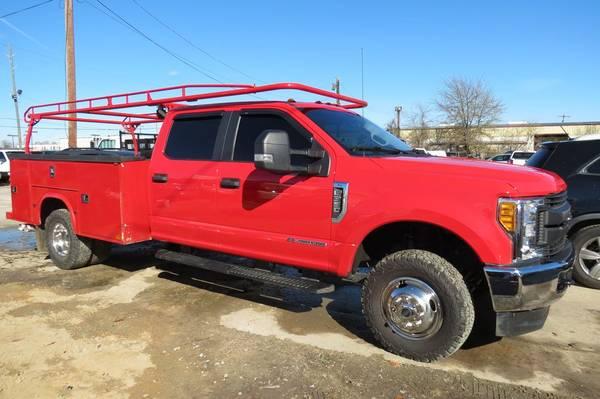 Photo 2017 Ford F350 XL Diesel Crew 4x4 Utility Truck - $42,800 (Monroe, LA)
