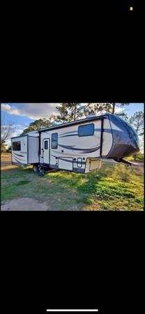 Photo 2018 Forrest River Salem Hemisphere 286rl - $26,000 (Buckatunna)