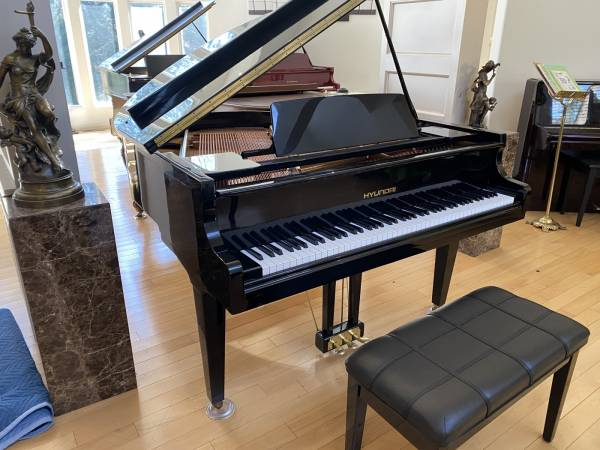 Photo HYUNDAI (By SAMICK) BABY GRAND PIANO in MINT MINT CONDITION FREE DEL - $4,250 (Atlanta  Free Delivery)