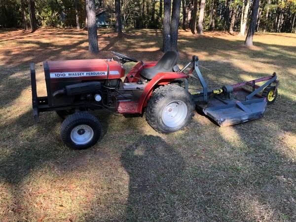 Photo Massey Ferguson 1010 Tractor - $2500 (Summit)
