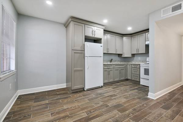 Photo Mid City Apartment in Quiet Neighborhood. Rate Includes Internet (MidCity  Baton Rouge)