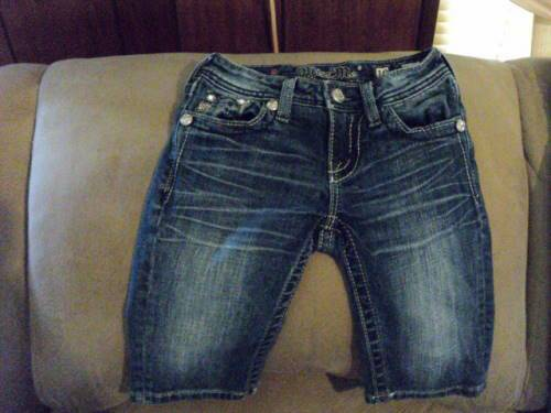 Photo NEW BABY PAIR OF (MISS ME JEANS) - $30 (BATON ROUGE  CENTRAL)