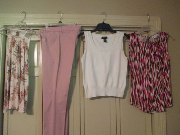Photo Old Navy Pixie Pants sz 10  tops (Central)