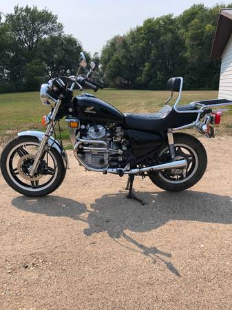 Photo 1982 Honda CX500 - $1,200 (Fargo)