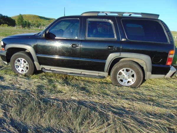 Photo 2002 CHEVY 4X4 TAHOE Z71 - $3700