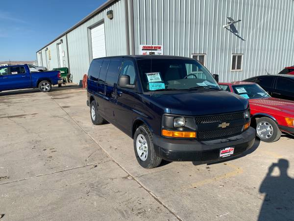 Photo 2014 Chevrolet Express 1500 Cargo Van - $15913 (Rapid City, SD)