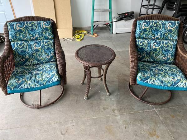 Photo Better Homes and Garden 3 piece patio furniture - $175 (Fargo)