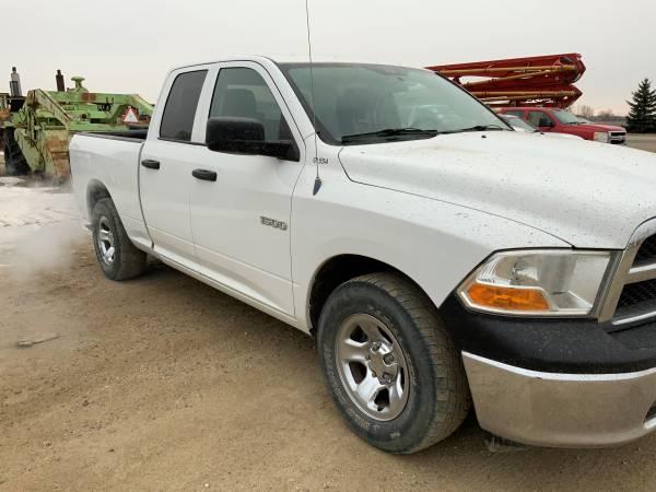 Photo FOR SALE, 2011 DODGE RAM 1500, QUAD CAB, 2 WHEEL DRIVE, RAM 4.7 LITER - $7000 (GRAND FORKS N DAK)