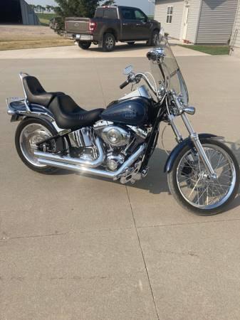 Photo Harley Davidson SOFTAIL CUSTOM - $9,300 (Grand Forks)