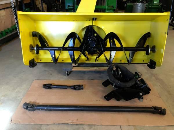 Photo John Deere 59 snowblower - $3,600 (Aberdeen SD)
