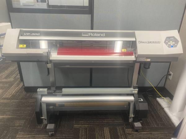 Photo Roland VP-300 VersaCamm Vinyl Printer  Cutter - $4,000 (Grand Forks)