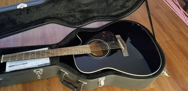 Photo Yamaha Acoustic Electric Guitar (New, Never used) - $250 (Grand Forks AFB)