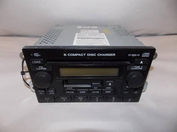 Photo 05-06 Honda CRV stock stereo with CD changer - $100 (Sandy Hook)