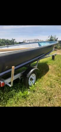 Photo 14 foot aluminum row boat w motor and trailer - $1,500 (East Haven)