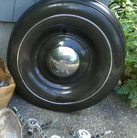 Photo 1936 Ford spare wheel cover and complete 3 piece original Ford steel - $250 (Norwich)